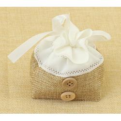 Bolsita de Regalo, tela de lino combinada con cinta y botones