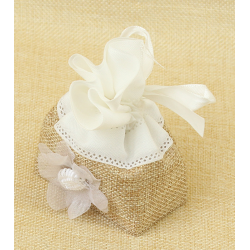 Bolsita de Regalo de tela de lino combinada, flor y cinta blanca