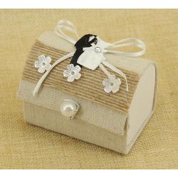 Cajita de Regalos de Bodas, con cinta, flores y traje de novios 5*7 cm