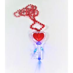 Collar rojo, colgante llave con corazón