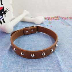 Collar de Perro con Tachuelas, 56 cm