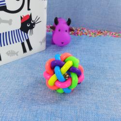 Pelota de colores tejida con cascabel, 7 cm