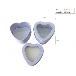 Cajita blanca de lata en forma de corazón para regalos y celebraciones