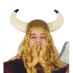 Casco de vikingo. Casco de guerrero nórdico